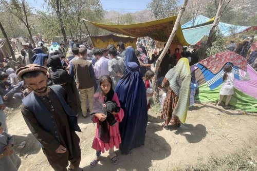 Displaced Afghan families flee northern provinces due to fighting between Taliban and Afghan security in Kabul, Afghanistan, on 10 August 2021 [Haroon Sabawoon/Anadolu Agency]
