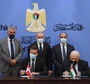 Denmark signs $72m grant to Palestine