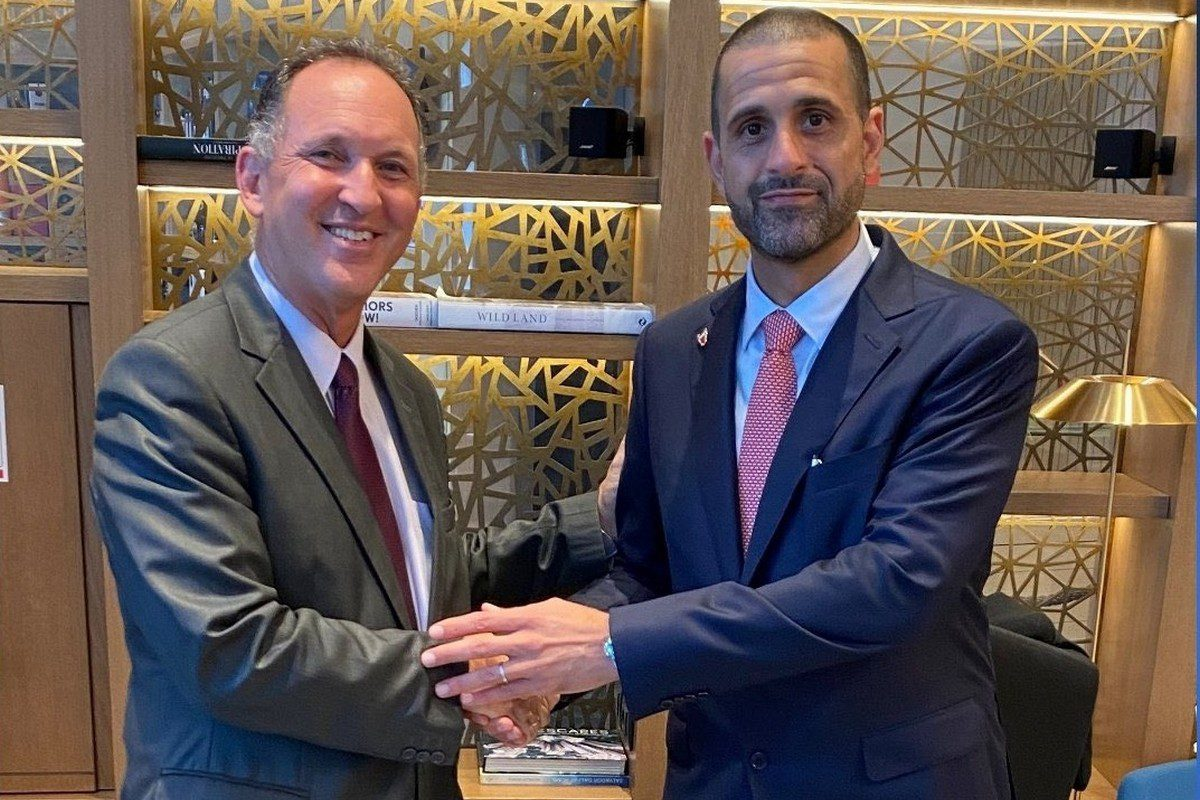 Bahrain's Ambassador to Israel, Khaled Yousef Al-Jalahmah, arrives in Tel Aviv to assume duties on 31 August 2021 [IsraelintheGulf/Twitter]