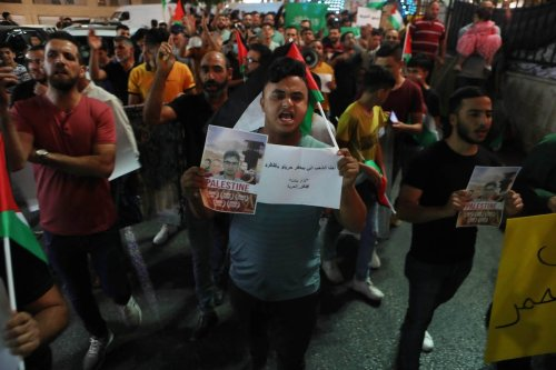 Hundreds of Palestinians gather to protest against Israeli violations of Palestinian prisoners held in Israeli jails in Hebron, West Bank on 8 September 2021. [Mamoun Wazwaz - Anadolu Agency]