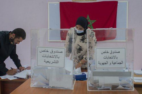 People cast their votes in the parliamentary and municipal elections, at a polling station in Rabat, Morocco on 8 September 2021 [Jalal Morchidi/Anadolu Agency]