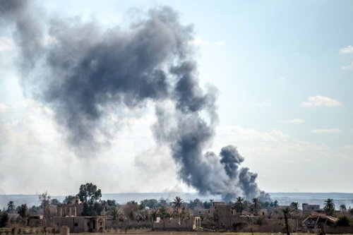 Smoke in the eastern Syrian Deir Ezzor province on March 3, 2019 [BULENT KILIC/AFP via Getty Images]
