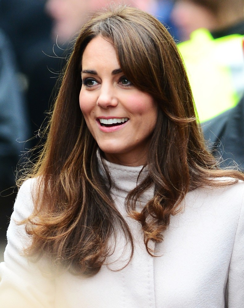 Kate Middleton  MiddletonDresscom  This Domain is For Sale Contact ae86senahotmailcom