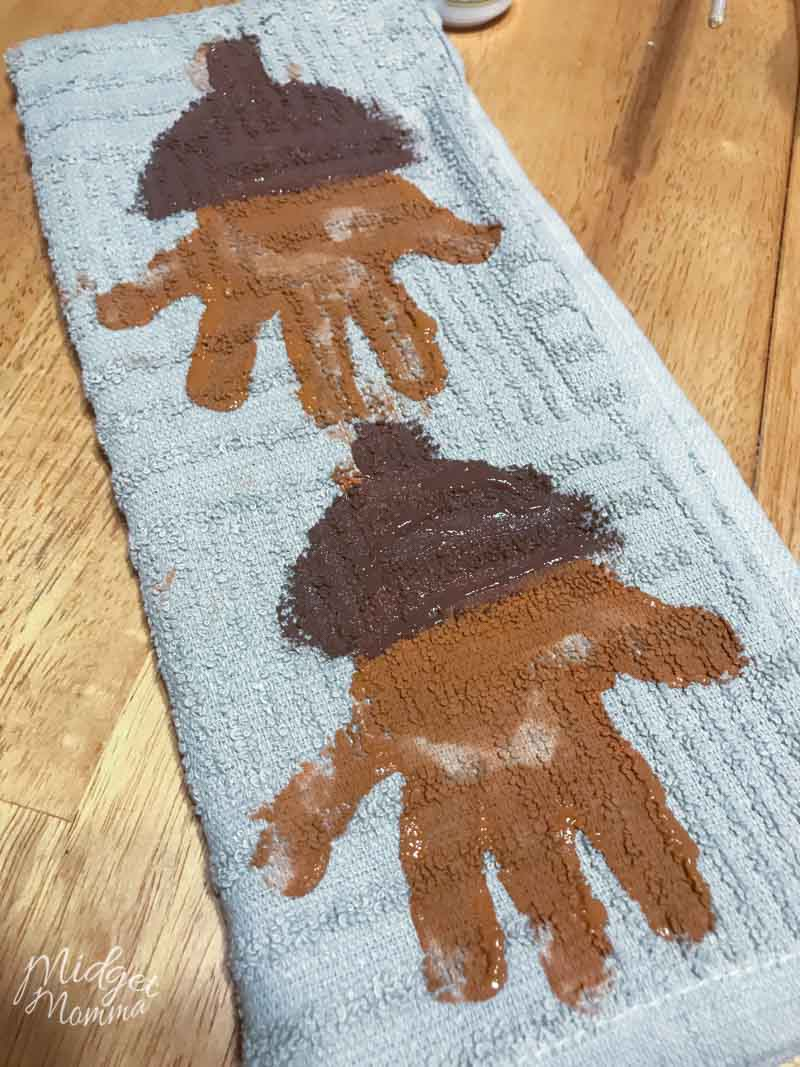 Acorn Handprint Towel Craft  MidgetMomma