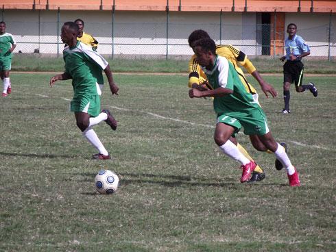 Football Telma Coupe : Belle bagarre entre St Michel et Adema !