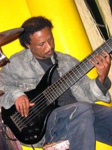 Olombelo Ricky et Fanja Andriamanantena seront parmi les artistes qui vont rendre hommage à Tôty à Antsirabe.