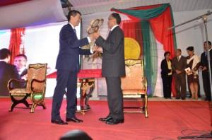La clé de répartition de la Primature et de la Présidence de l'Assemblée nationale est entre les mains de l'homme fort du HVM et du leader du MAPAR.