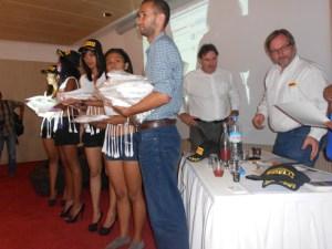Les plus de 200 participants à la formation de Pirelli ont également reçu des certificats et des goodies.