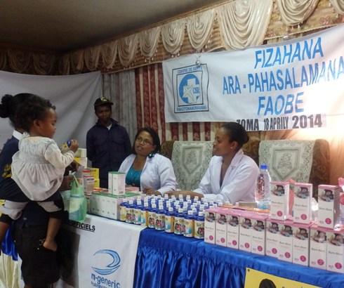 C.S.R  Analamahitsy : Une soixantaine de femmes et enfants consultés à Ambatomainty