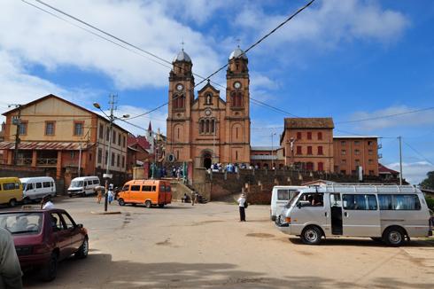 Fianarantsoa : Rajoelina annonce le début du confinement