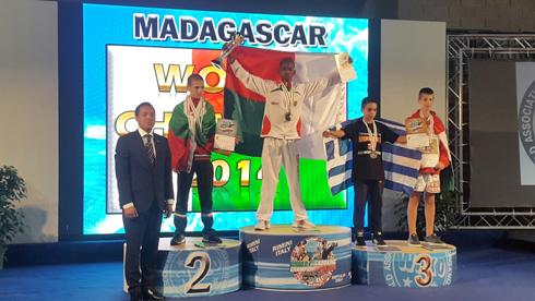 Kick Boxing : Lavakely et Faratiana sacrés champions du monde !