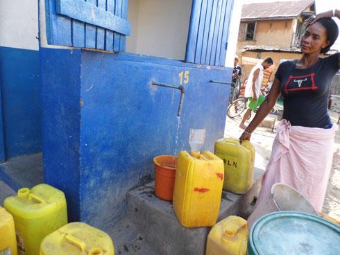 Bornes-fontaines a Miandrivazo : Approvisionnement limité à 3 bidons par ménage par jour