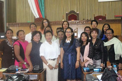 Femmes parlementaires : Raharimalala Toto Lydia élue présidente