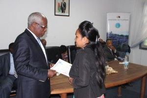 Lors de la remise des certificats aux agents formés.