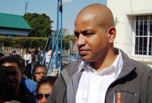 Koumba commence à ne plus supporter les conditions de sa détention.