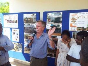 Le Dr Zbigniev Kasprzyk, expert de la FAO auprès du programme Smartfish.