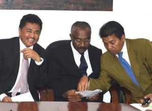 Henry Rabary-Njaka et consorts constituent le premier cercle.