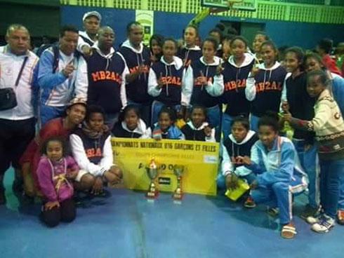 Basket-ball – Sommets U16 G et F : ASCB et Mb2All sacrés