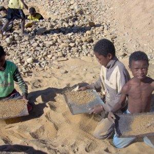 Les moyens d'exploitations des mineurs sont encore archaïques. (Photo d'archives)
