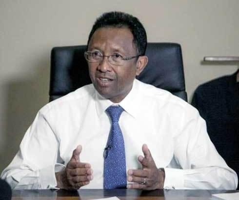 Double sanction pour Rajaonarimampianina : Inéligible à la présidentielle en cas de déchéance