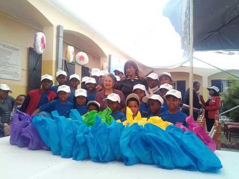 Festivités à l'Orphelinat FAZAKO : Jouets et friandises pour les pensionnaires