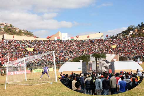 Football- Suspension de Mahamasina : La CAF et Ahmad enfoncent le clou !