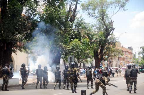 Analakely : Les « Zanak'i Dada » dispersés à coup de gaz lacrymogènes