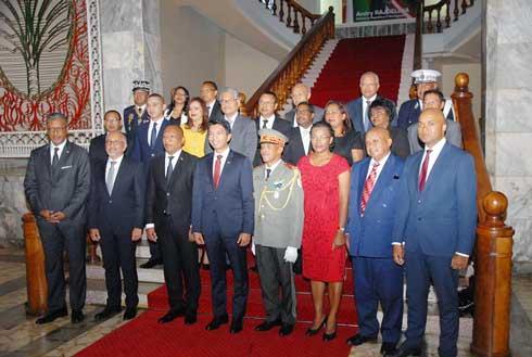 Gouvernement : 8 ministres attendus au tournant