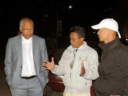 Rues d'Antananarivo : Visite nocturne des chantiers de réparation par le MAHTP