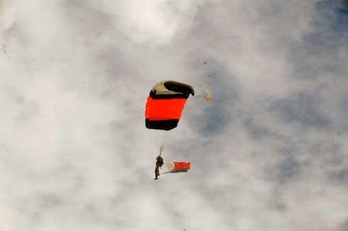 Parachutistes accidentés : Un colonel toujours sous soins intensifs