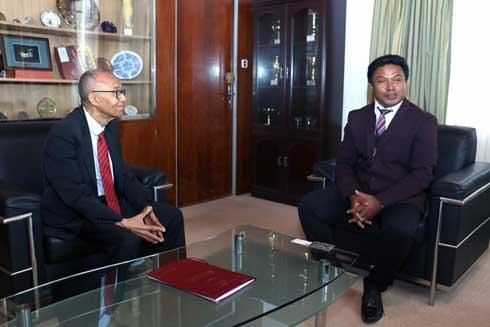 Université d'Antananarivo : Visite de l'ambassadeur de l'Union des Comores