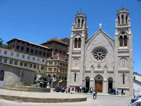Église catholique romaine de Madagascar : La réouverture des églises en fonction de l'appréciation des évêques et des réalités des diocèses