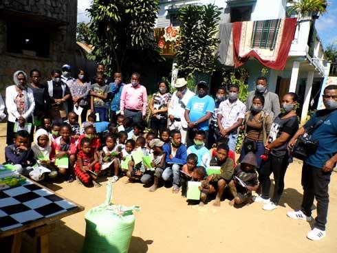 Ambositra-Journée de la liberté de la presse : L'AJSAM au chevet des enfants orphelins.