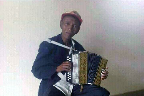 Musique : Décès de Tsiariagna, illustre de l'accordéon