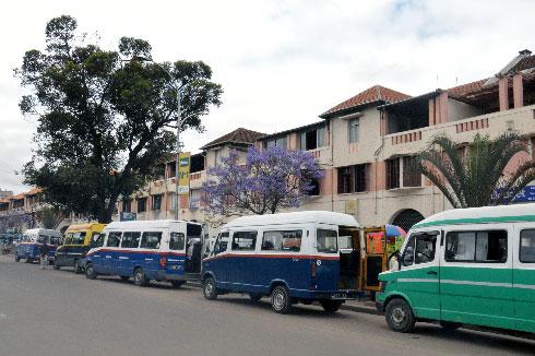 Transports urbains et suburbains : Tana privée de bus à partir de ce jour