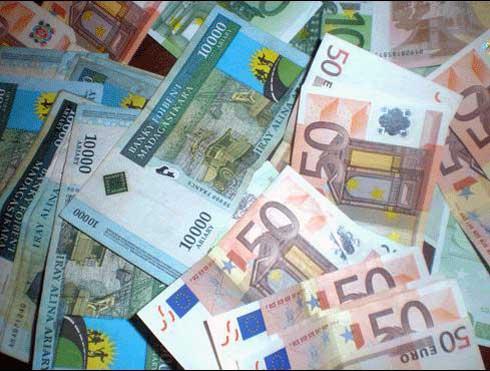 Marché de change : L'Euro a dépassé la barre des 4 300 ariary
