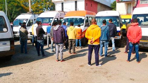 """Non-respect des mesures anti-Covid : 78 chauffeurs et receveurs de """"taxis-be"""" et 70 autres Tananariviens placés en garde à vue"""