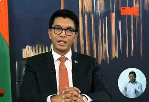 Rajoelina annonce un allègement des mesures : Réouverture des transports aériennes et terrestres… Un déconfinement progressif.
