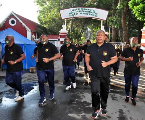 Journée des officiers : Célébration au pas de course à Iavoloha et Mahazoarivo