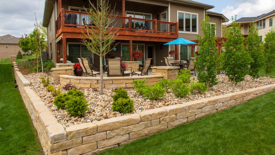 landscaping backyard with patio