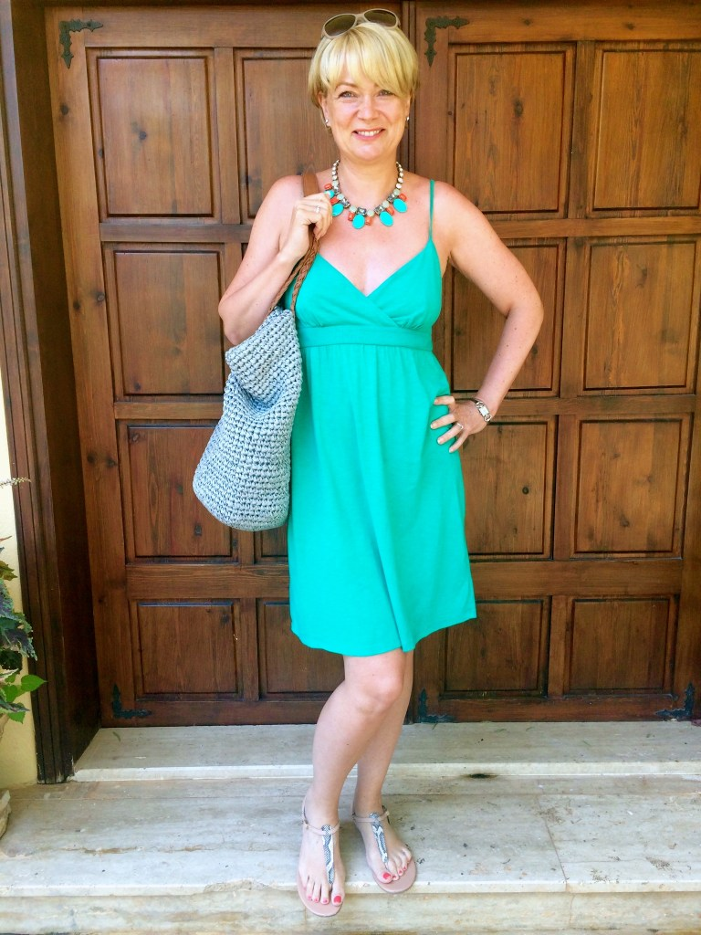 Women over 40 - what to pack for a hot beach holiday - Midlifechic
