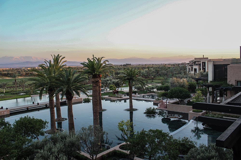 Keen for a little countryside getaway in Morocco? Leave Marrakech behind and head towards the Royal Palm for palm trees, pineapple & a piece of paradise.