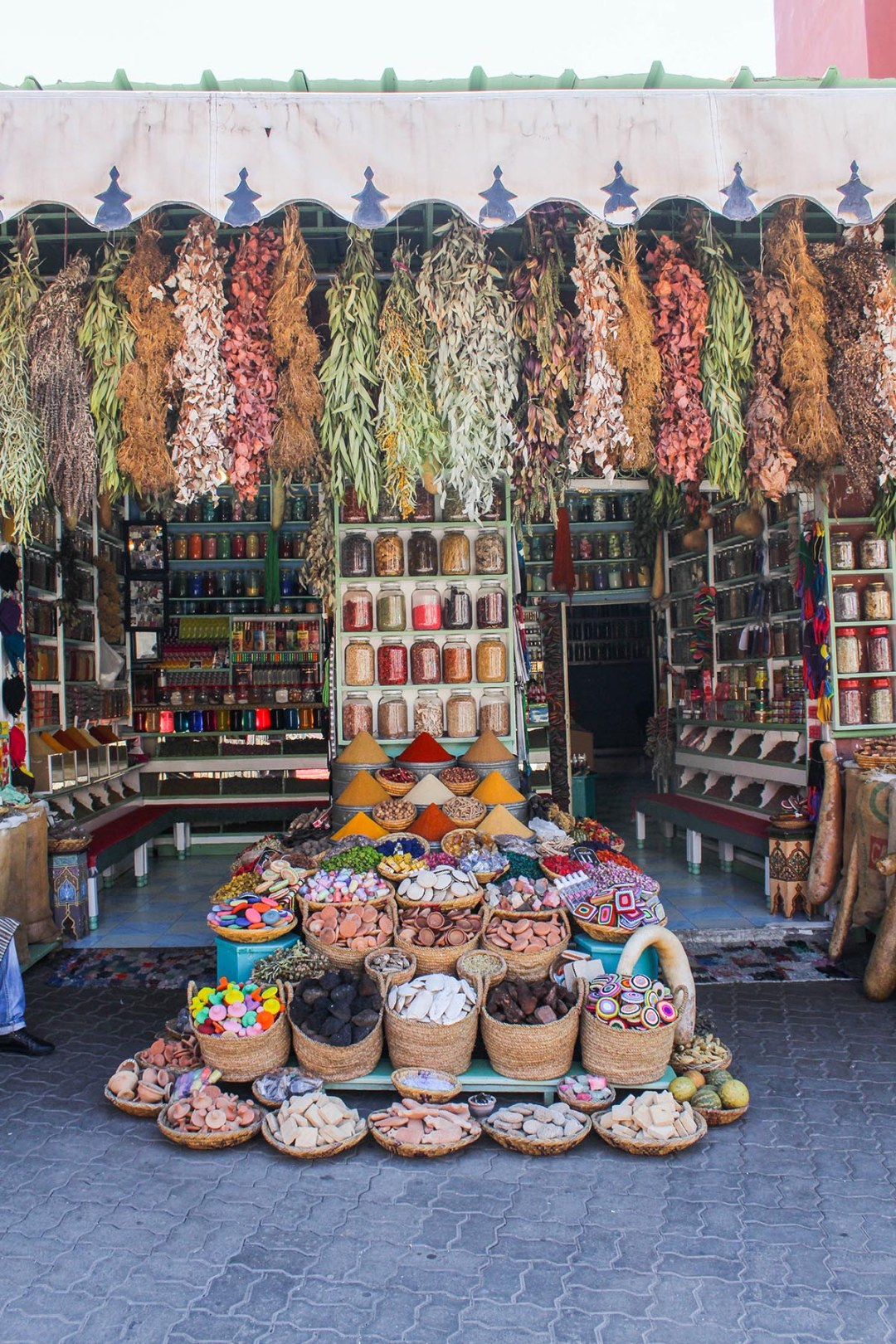 Where are the best places to take photos in Morocco? Look no further because with #magicalmorocco I show you the most instagrammable places in Marrakech.