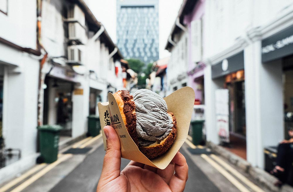 A Foodie's Guide to Singapore.