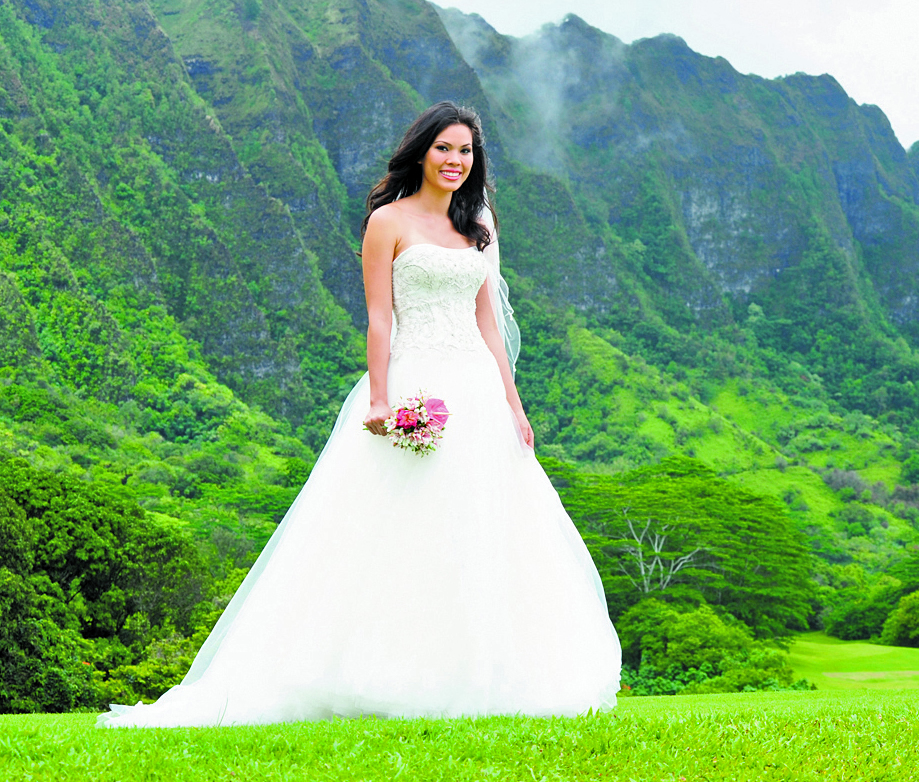 Masako Formals At The Hawaii World Class Wedding Expo