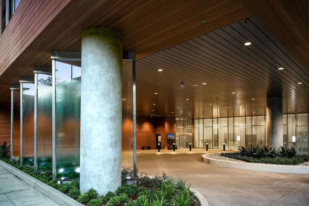 Glass Water Wall at Hilton Garden Inn Belleevue Washington