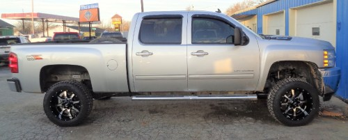 small resolution of 2014 chevy silverado 2500 hd 3 1 2 inch rough country suspension lift