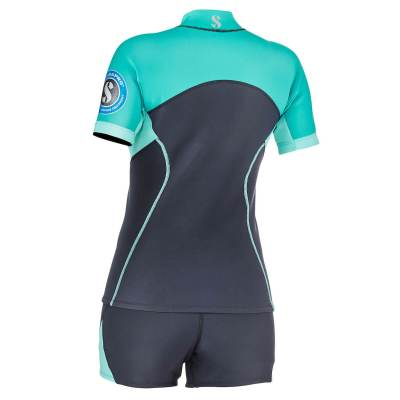 Scubapro everflex 1.5 short sleeve top and shorts women back