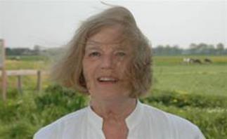 Papierkunstenaar Mieke Veerkamp (Oosterhuizen)