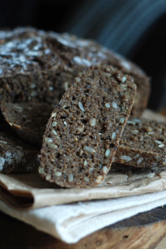 no knead black bread 4